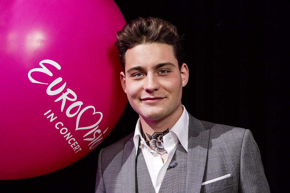 Douwe Bob Dutch contestant Eurovision Song Festival Contest